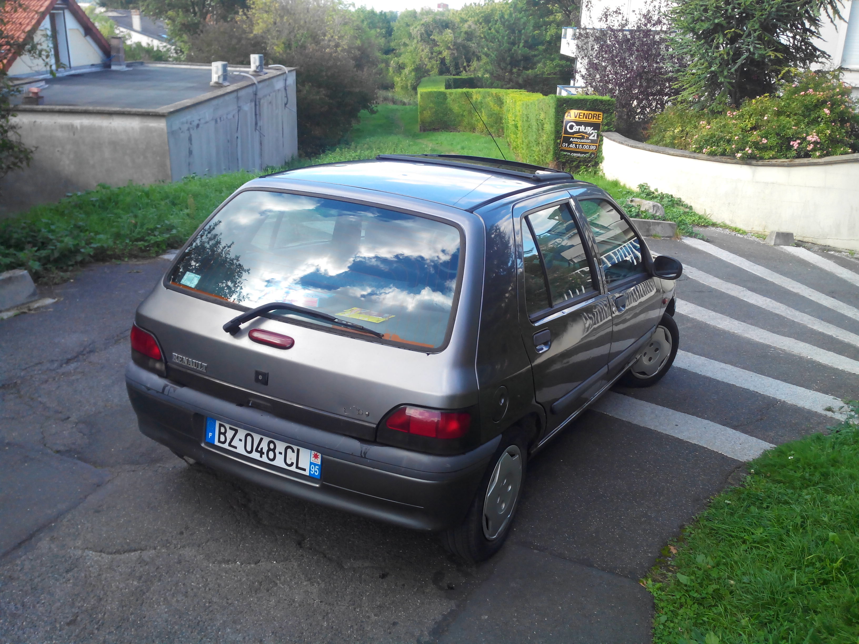 clio 1 phase 2 am 1997 150 000 kms 5 portes m y negoc 39 auto. Black Bedroom Furniture Sets. Home Design Ideas