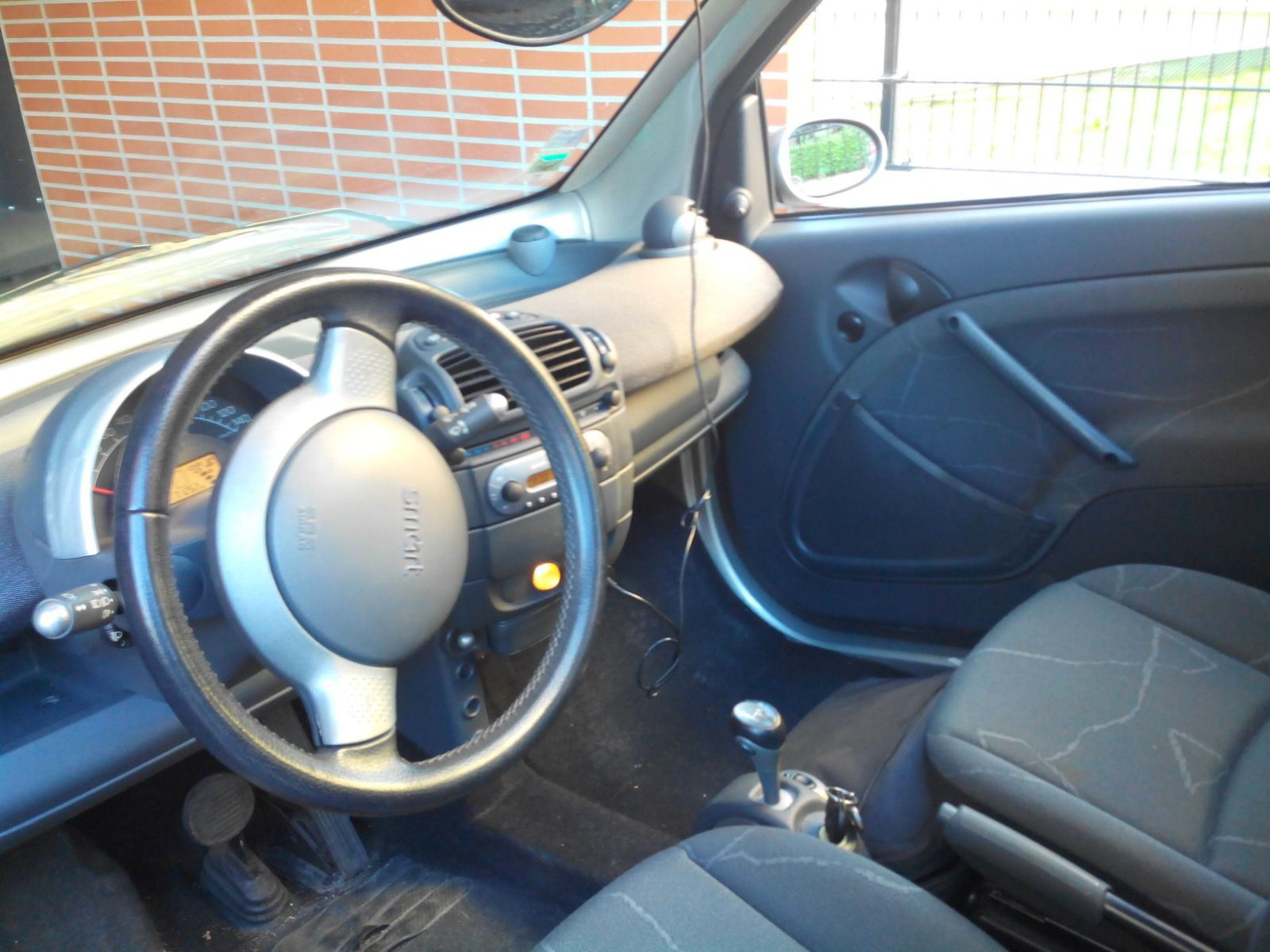 Smart fortwo passion turbo m y negoc 39 auto for Interieur smart 2000
